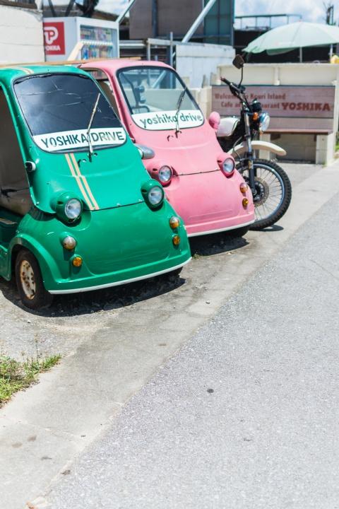 古宇利島レトロな車とバイク