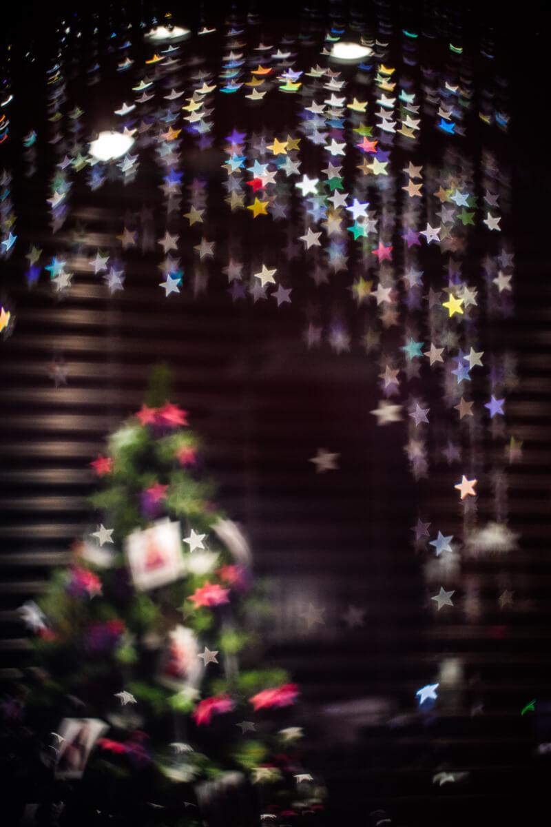 クリスマスツリーと星型のボケ(Helios【ヘリオス】で撮影)
