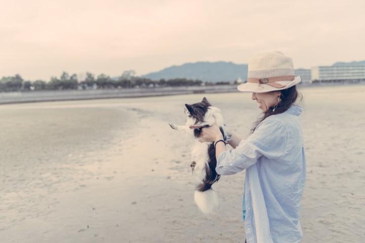 日本のウユニ塩湖でドロドロになるピノ