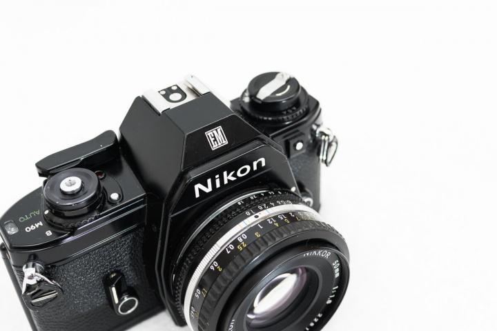 Nikon EM 軍幹部