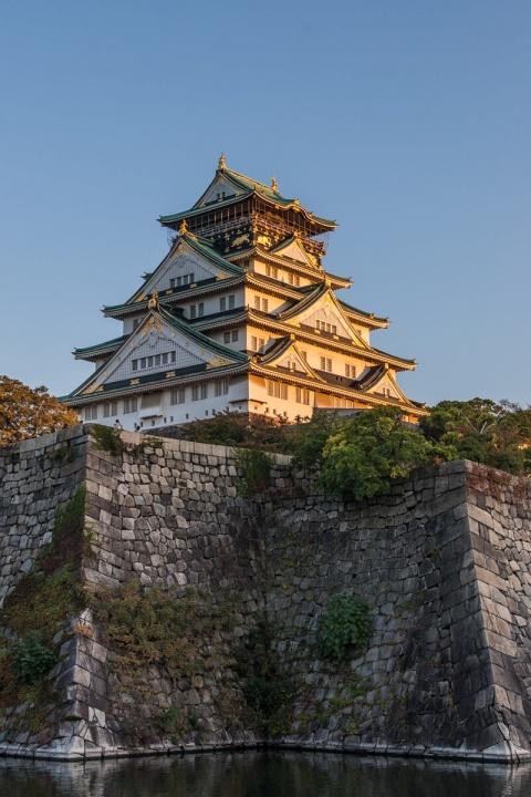 夕日に染まる大阪城