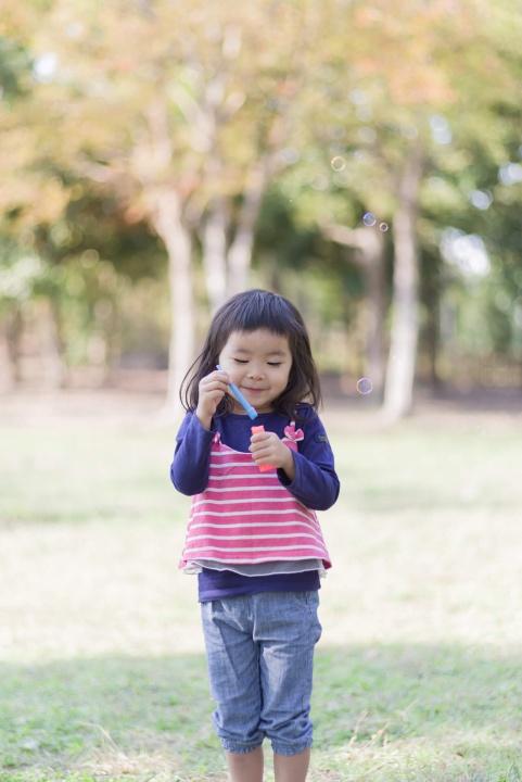 公園で遊ぶYちゃん