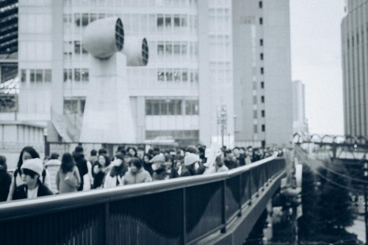 モノクロスナップ写真 ヨドバシカメラ付近