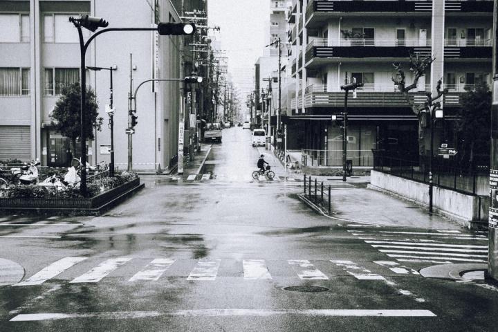 D40 モノクロスナップ写真 ストリート 交差点